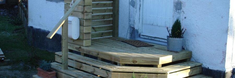 Etablering af ny hovedtrappe i træ